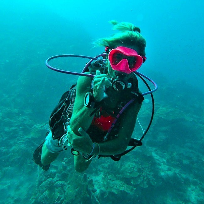Rebel Diving Curacao is a professional and personalized diving center.